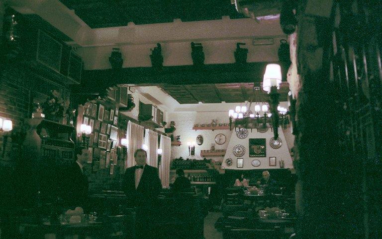 レトロなレストラン