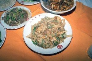 刀削麺(右上は酸辣湯)