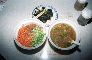 老唐牛肉麺と黄家香腸熟肉@台南屋台食べ歩き