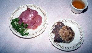 醤肉挟焼餅と燻腸