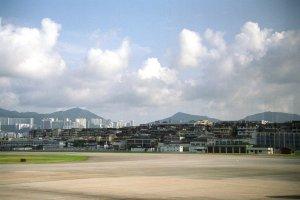 広州へ@香港啓徳機場