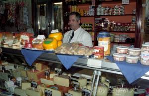 チーズ(queso)屋さん@マドリッド食べ歩き