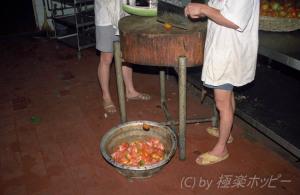 野菜切り職人@重慶飯店厨房