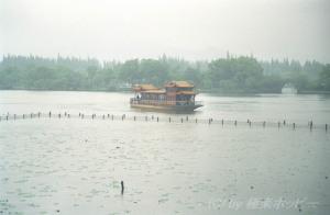 雨に煙る西湖@杭州観光
