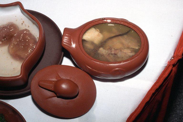 冬虫夏草と家鴨のスープ